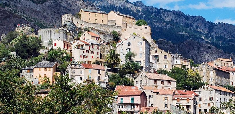 Město Corte Korsika
