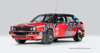 Lancia Delta Integrale Rudá záře nad Turínem